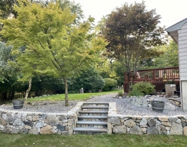 stone-steps-in-retaining-wall